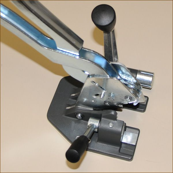 Spann- und Verschlussgerät für PP- und PET-Band